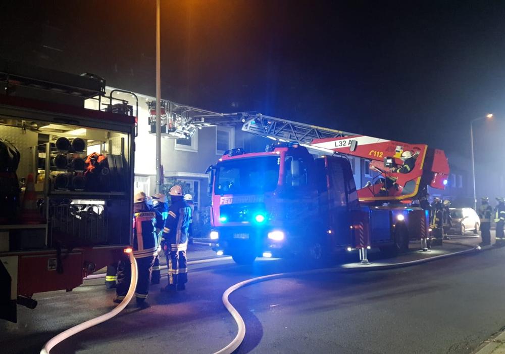 Die Feuerwehr war im Einsatz und konnte den Brand innerhalb von zehn Minuten löschen.