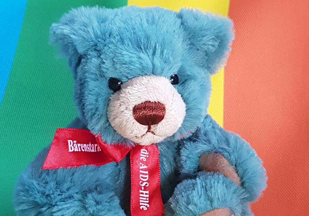 Der Teddy ist am 1. Dezember Beratungsstelle in der Kleiststraße 13 erhältlich.