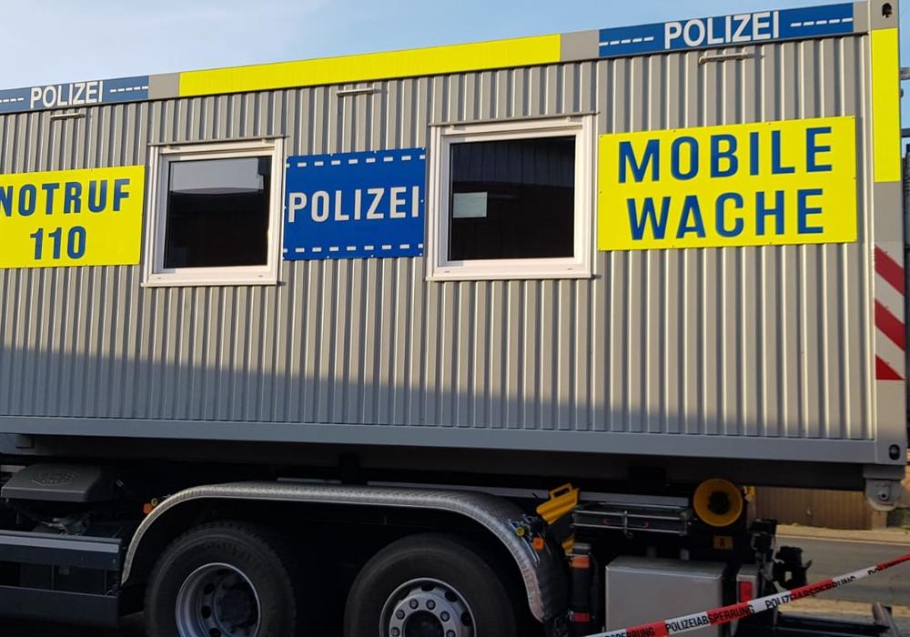 Die Polizei in Meinersen musste in eine mobile Wache umziehen.