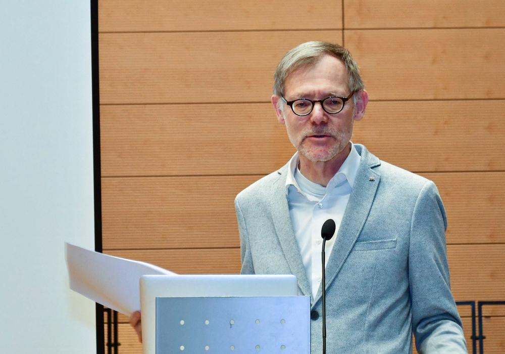 Professor Dr. Jochen Luckhardt