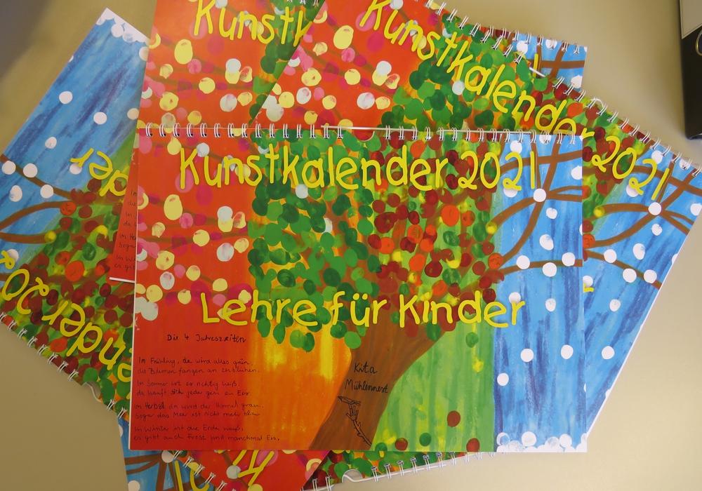 Der Kunstkalender 2021 der Gemeinde Lehre ist jetzt erhältlich, den Titel ziert ein Bild der Kita Mühlennest.