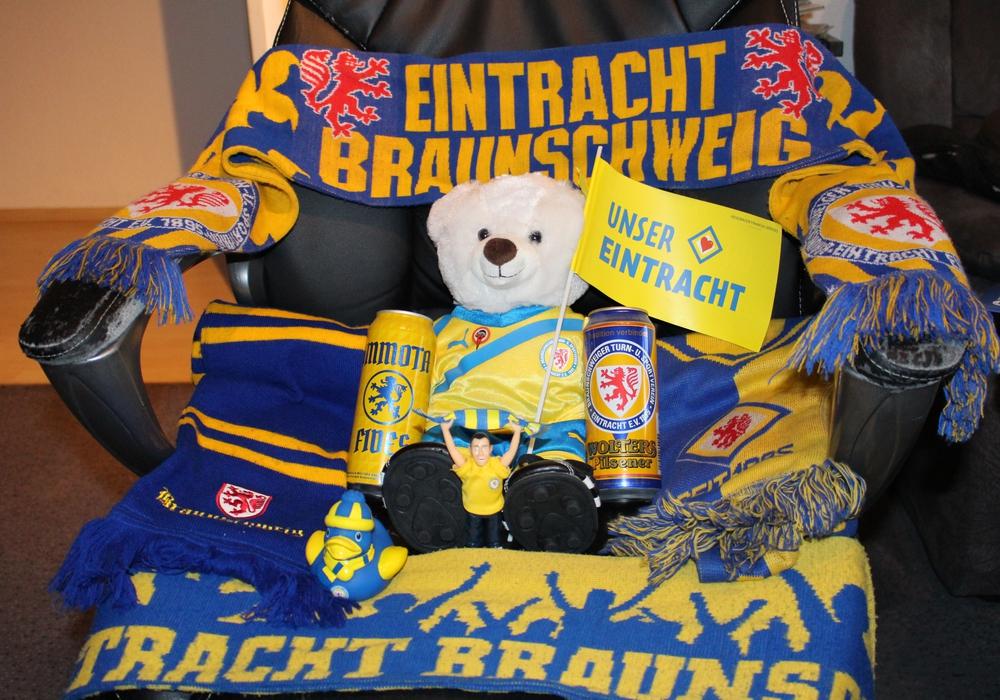 Am Dienstag sollen alle Eintracht-Fans Farbe bekennen.