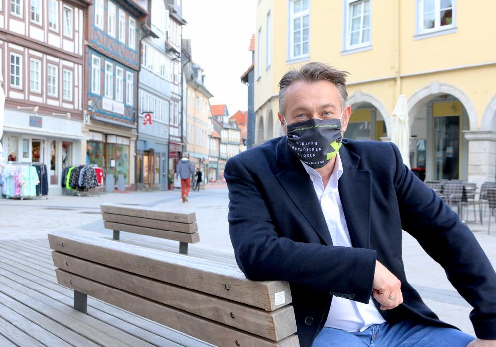 Unter den Krambuden wurde die Fußgängerzone bereits saniert. Stadtbaurat Ivica Lukanic spricht sich dafür aus die Aufenthaltsqualität in der Innenstadt zu steigern.