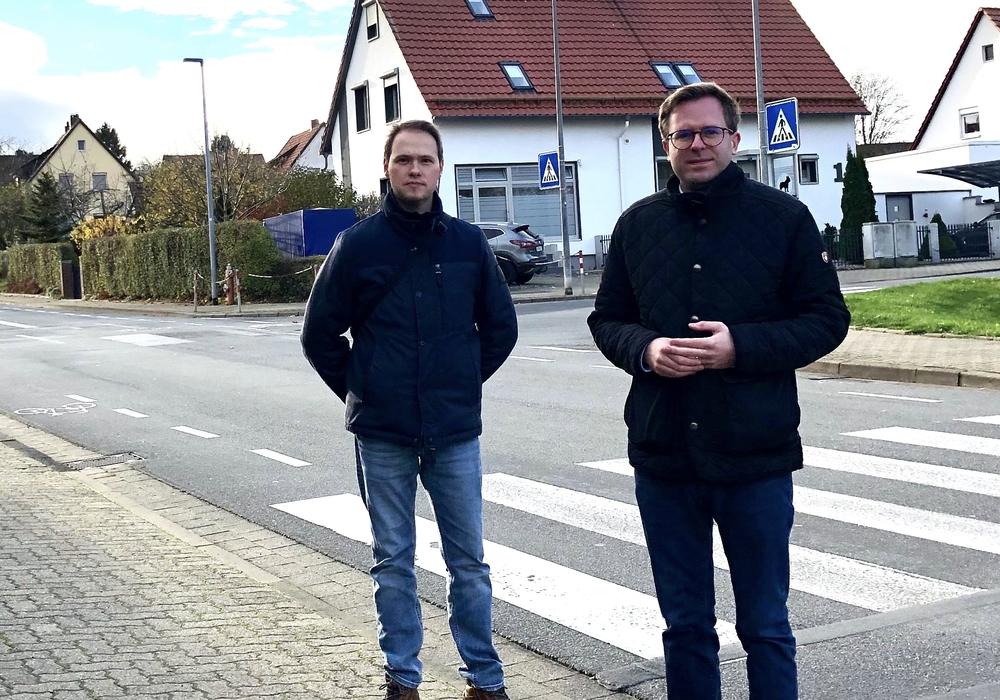CDU-Vorstandsmitglied Lorenz Plapper mit Bürgermeisterkandidat Dr. Adrian Haack beim Ortstermin im Kalten Tal.