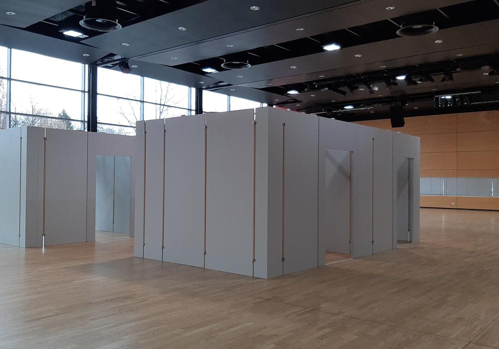 Die Kabinen im Impfzentrum in der Gifhorner Stadthalle.