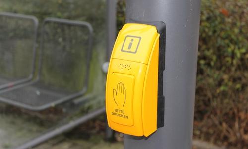 Drückt man diesen Knopf, werden einem die Informationen vorgelesen.