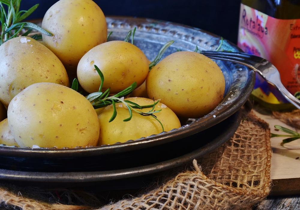 Pellkartoffeln oder Kartoffeln werden weniger gegessen, Kartoffelprodukte legen im Handel zu.