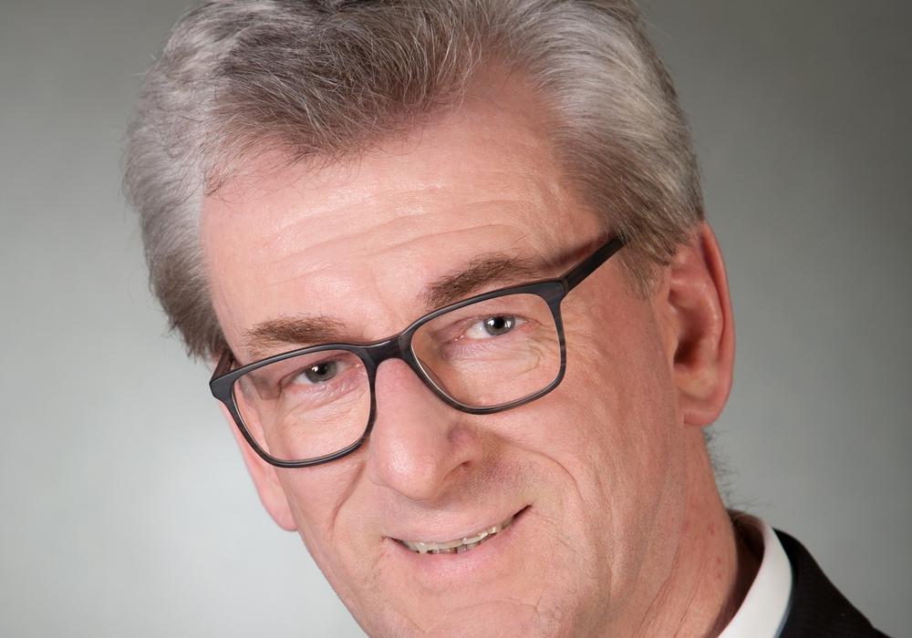 Klaus Stuhlmann, Leiter der Abteilung Verbünde, Wettbewerb und Verkehr bei der KVG, geht in den wohl verdienten Ruhestand.