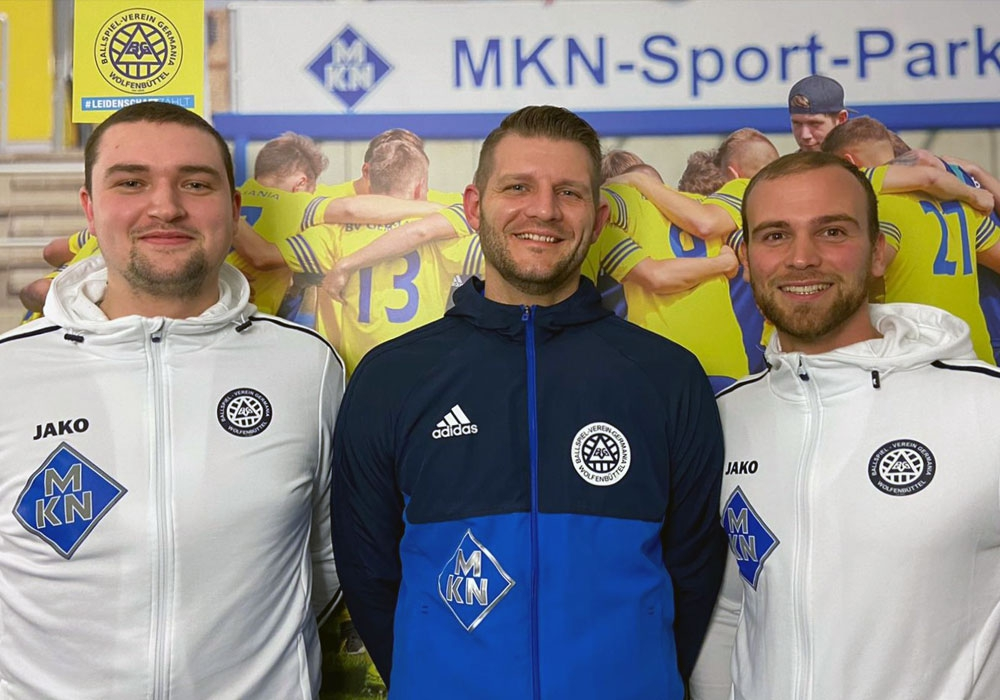 Bewegung beim BVG (vlnr): Luca Brandes (Co-Trainer), Jan Kolodziej (zukünftiger Trainer), Christoph Taute (aktuell Trainer).