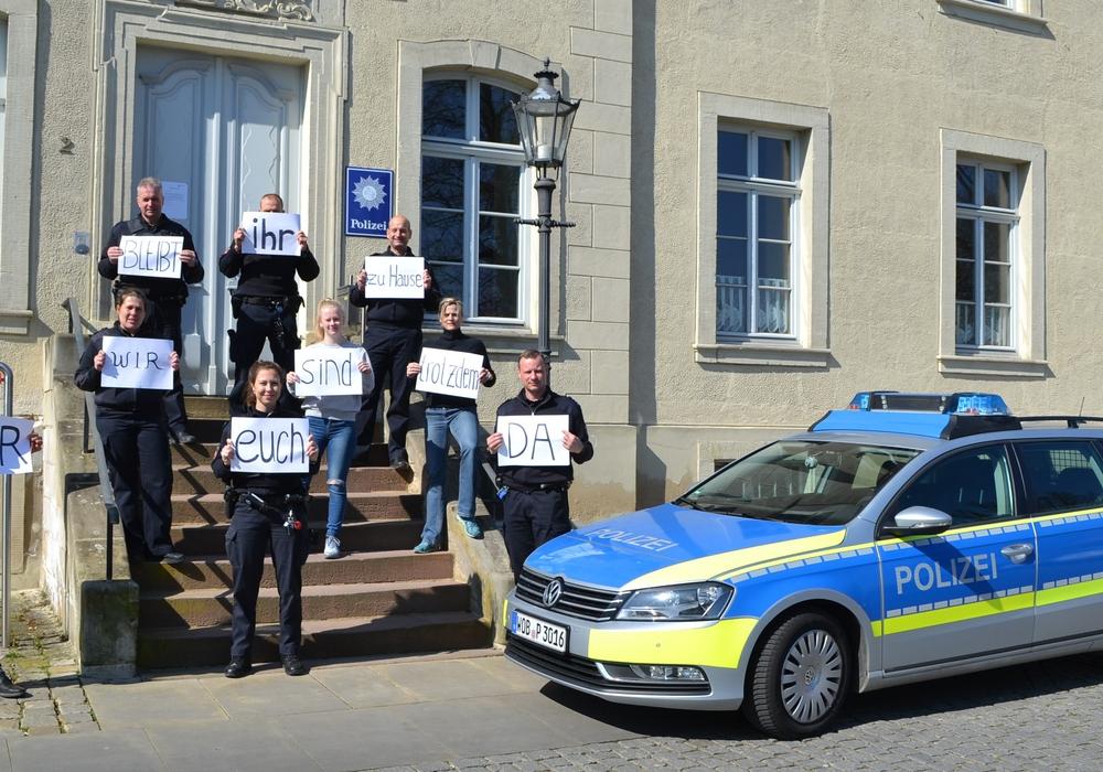 Die Polizei Schöningen unterstützt die Aktion #ZuhauseBleiben.