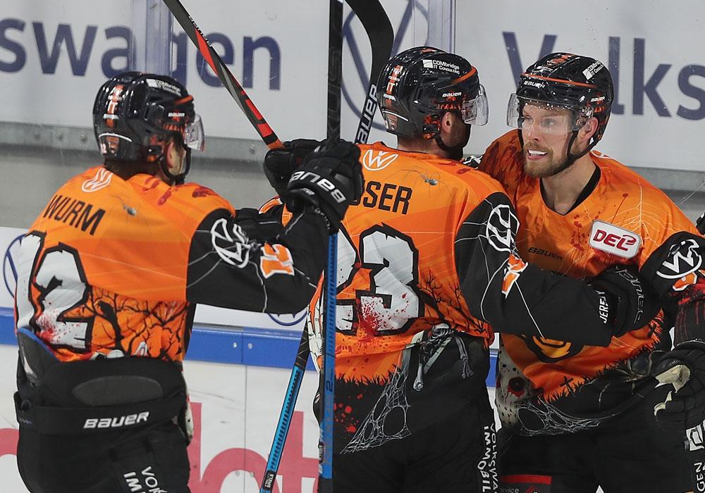 Der Füssener Eishockeyvertrieb Schanner hat seinen Vertrag mit den Grizzlys verlängert.