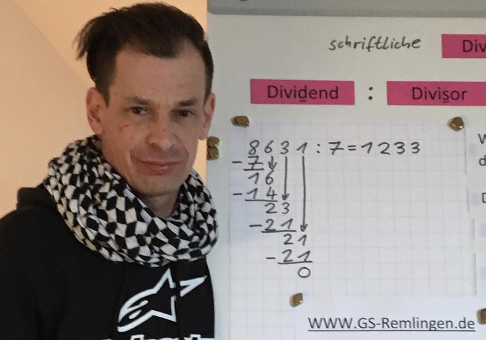 Schulleiter und Mathematiklehrer Lars Eberst.