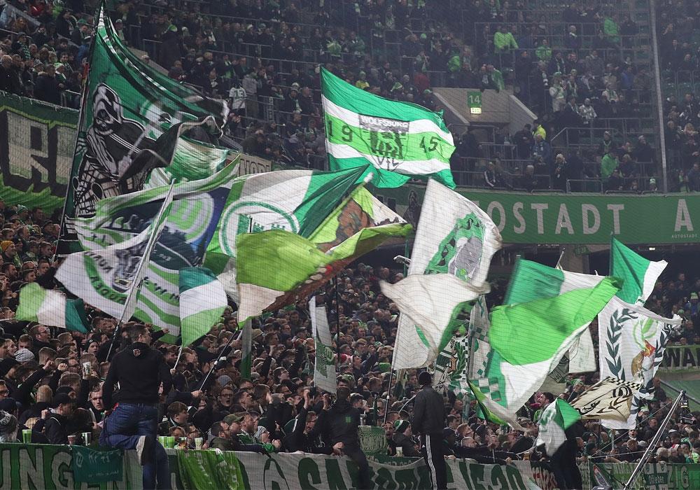 In dieser Krisenzeit wollen die Wolfsburger Ultras die Menschen unterstützen, die drohen vergessen zu werden.