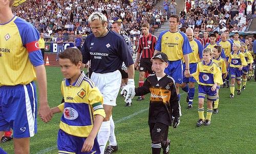 Uwe Zimmermann am 27. Juli 2001 gegen Bayer 04 Leverkusen.