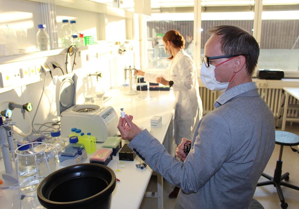 Im YUMAB-Labor wird fleißig nach dem passenden Antikörper gesucht.