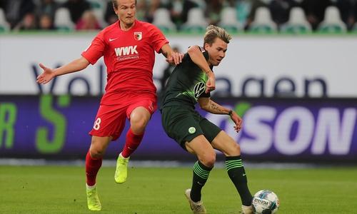 Empfangen Tin Jedwaj (li.) und der FC Augsburg  am 3. Mai Felix Klaus und den VfL?