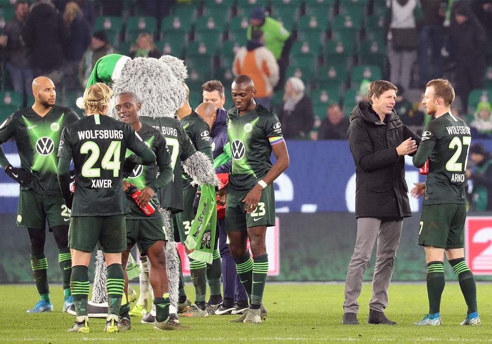 Welches Gesicht zeigt die Mannschaft von Oliver Glasner (2.v.r.) am Samstag gegen Frankfurt?