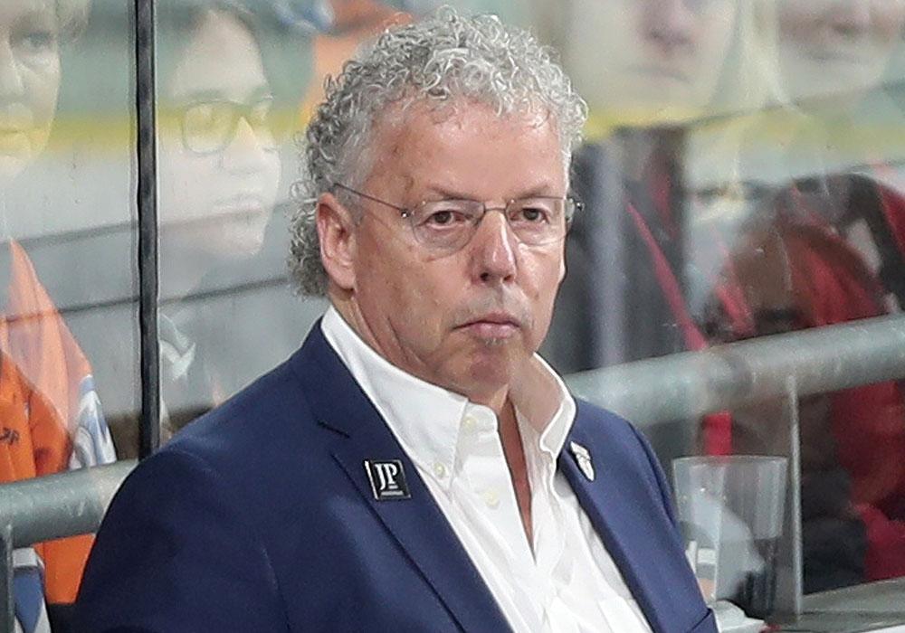 Äußere sich im Rahmen der Wiederaufnahme des Mannschaftstrainings zur Situation: Grizzlys-Sportchef Karl-Heinz Fliegauf.