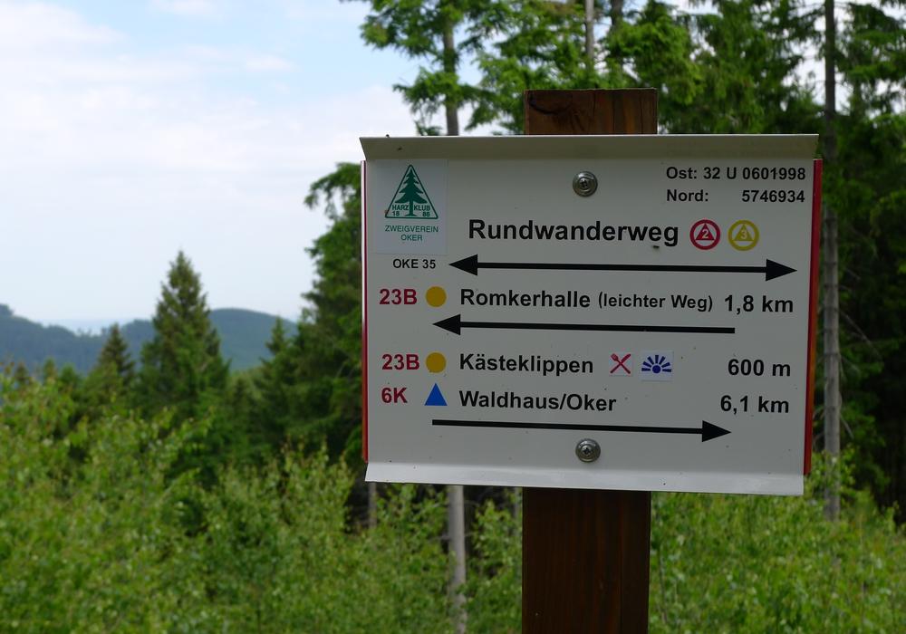 Bei der Optimierung des Wanderwegenetzes im niedersächsischen Teil des Naturparks Harz wurde vor allem Wert auf die Beschilderung der Strecken gelegt. Hunderte ehrenamtliche Mitglieder des Harzklubs und seiner Zweigvereine haben sich für dieses Projekt in den zurückliegenden drei Jahren mächtig ins Zeug gelegt.
