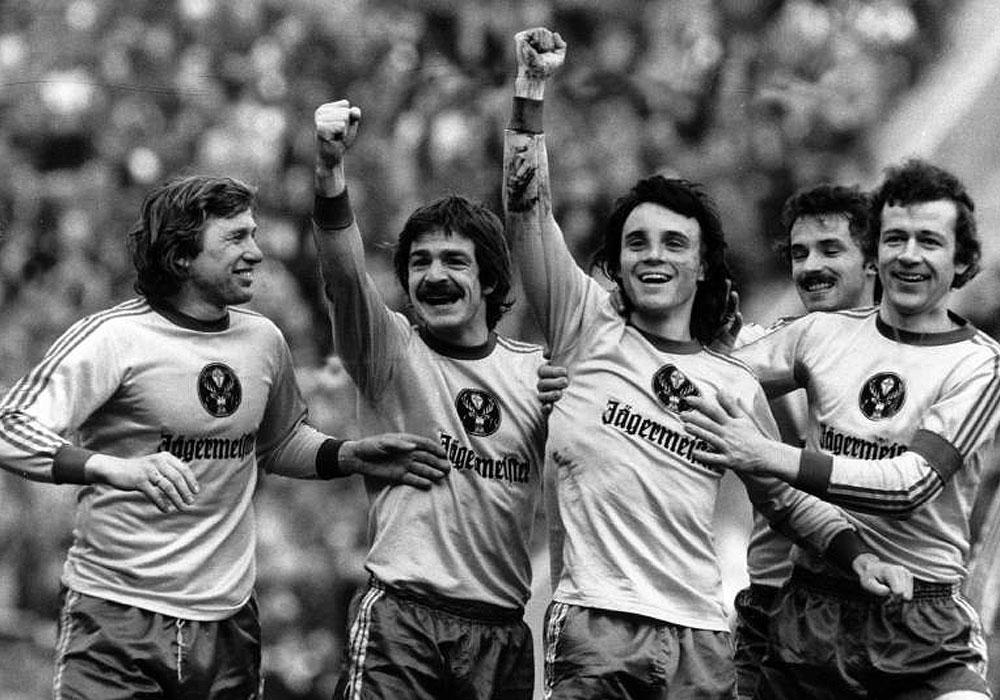 Genau wie dessen Mitspieler Dieter Zembski, Wolfgang Frank und Friedhelm Häbermann feiern wir diesmal den Rekordlöwen Franz Merkhoffer!