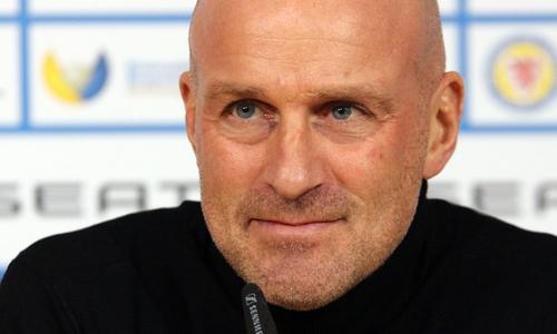 Marco Antwerpen äußerte sich vor dem und zum Quarantäne-Trainingslager.