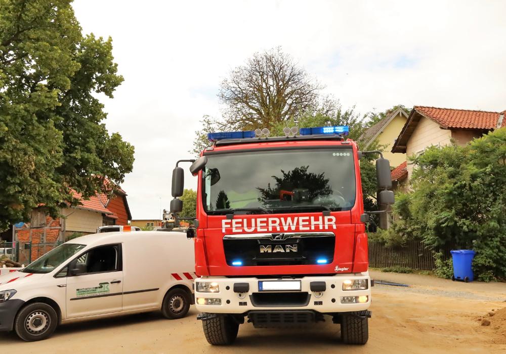 Die Feuerwehr vor Ort in Frellstedt.