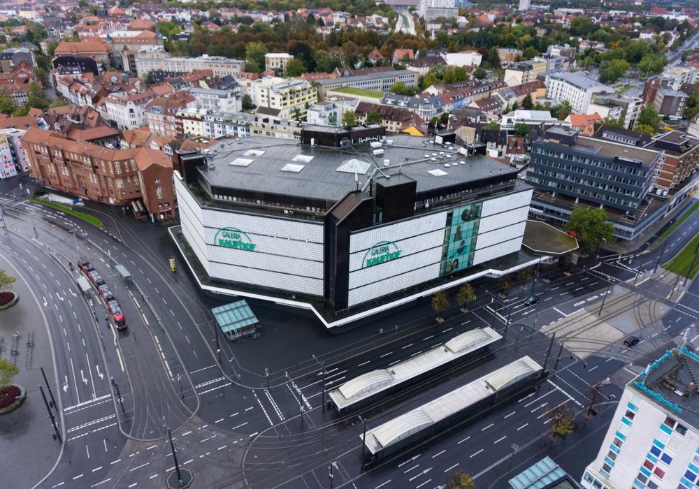 Luftaufnahme des Kaufhof-Gebäudes im Braunschweiger Bohlweg.