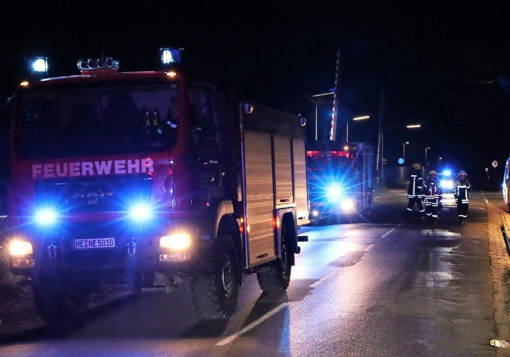 Die Feuerwehr suchte mit 35 Einsatzkräften nach dem unbekannten Opfer einer Zugkollision.