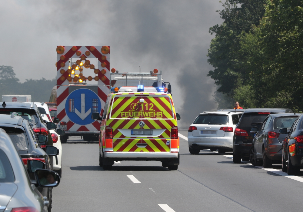Auf der A 39 ist ein Auto ausgebrannt.