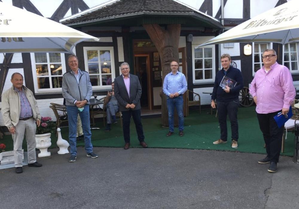 V.l.n.r.: Dr.Eike Dolling (Stellvertretender Vorsitzender), Gerhard Grebbin (bisheriger Schriftführer), Claus-E. Roschanski (1.Vorsitzender), Nobert Schecke (Stellvertretender Vorsitzender), Maximillian Breitkopf (neuer Schriftführer) und Axel Bender (1.Vorsitzender CDU Stadtverband Goslar).