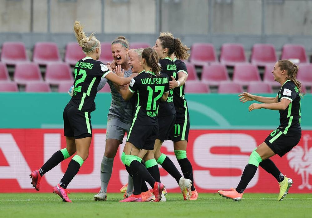 Die Freude war groß: Die VfL-Frauen siegten im DFB-Pokalfinale gegen die SGS Essen.