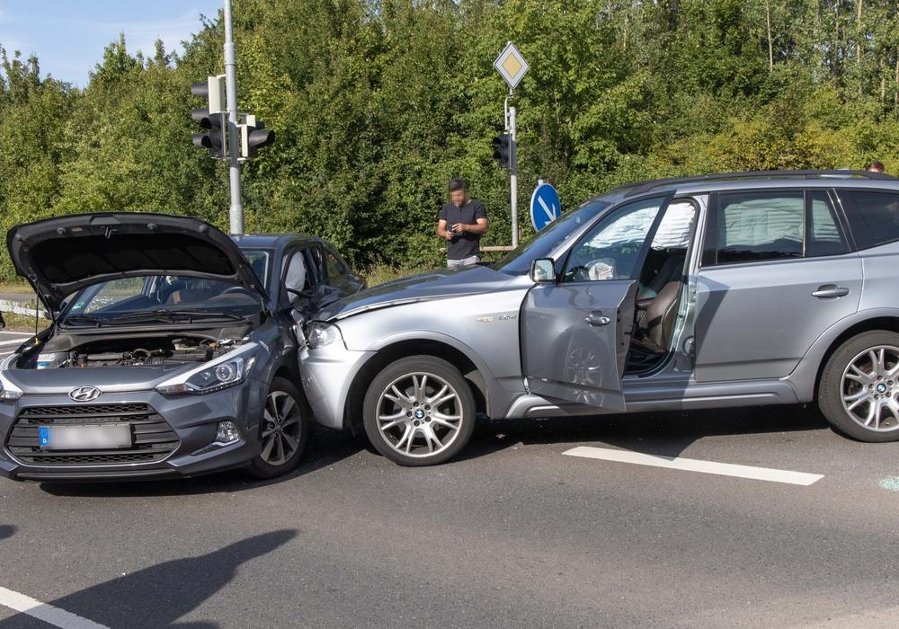 Die Fahrerin des BMW verursachte den Unfall.