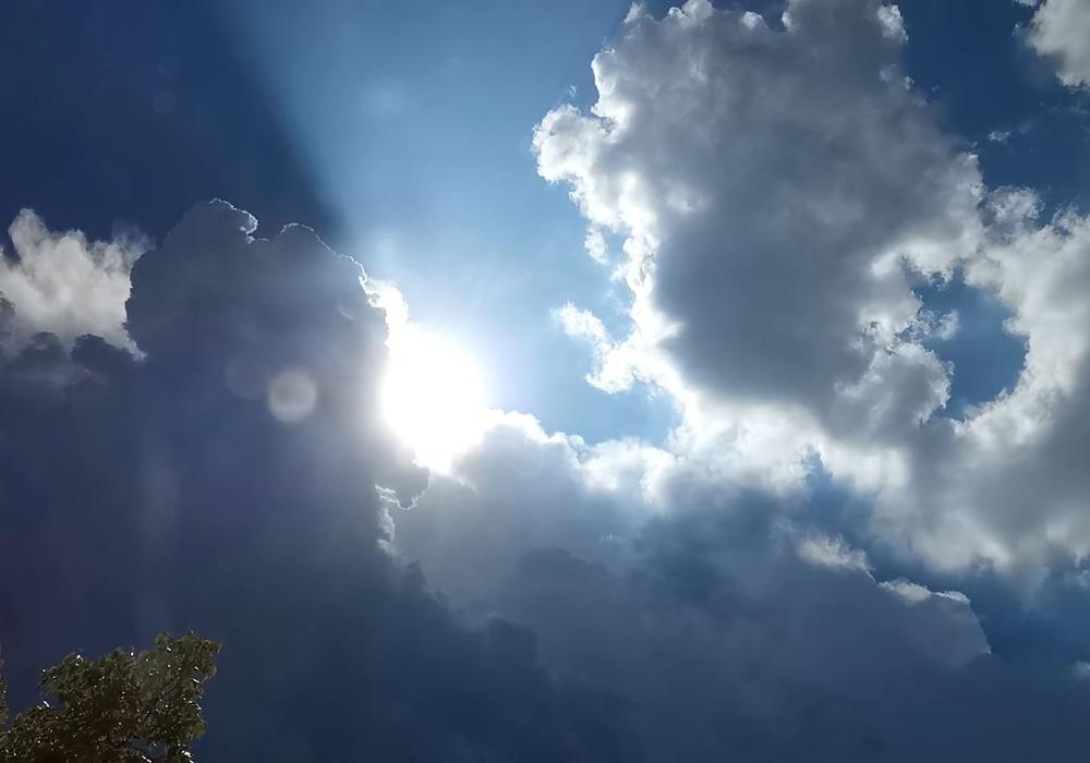 Der Herbst kündigt sich mit wechselhaft regnerischem Wetter immer stärker an.