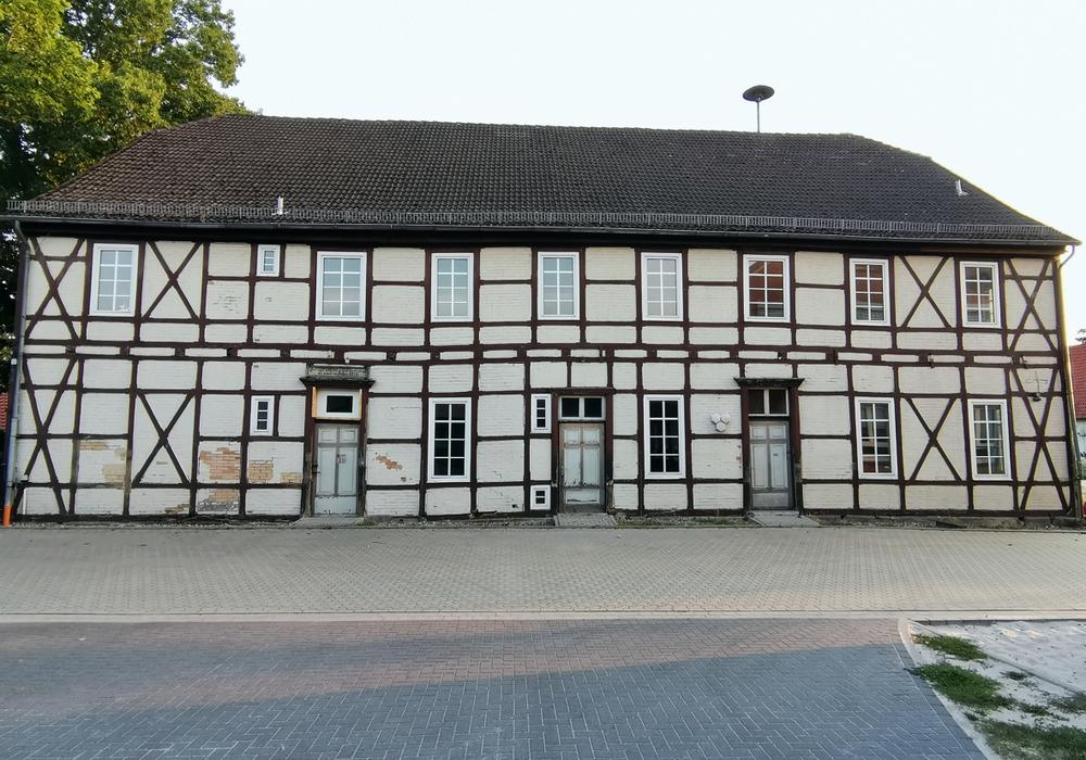 Die Alte Schule in Neudorf-Platendorf soll umgebaut werden.