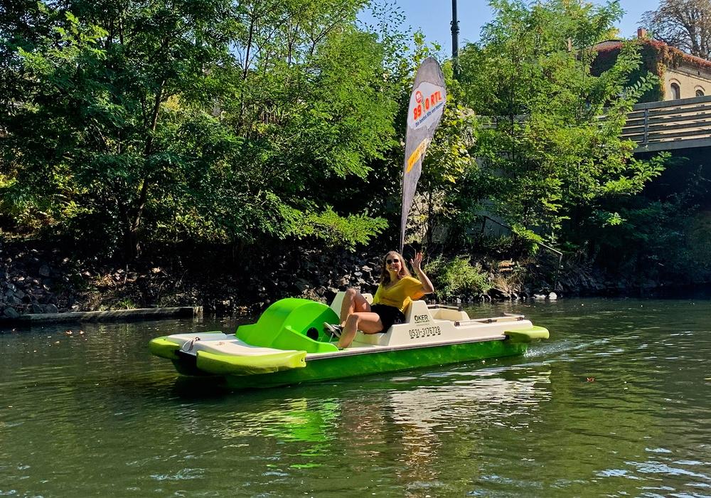 Doro will 89 Kilometer auf dem Tretboot entlang der Oker fahren.