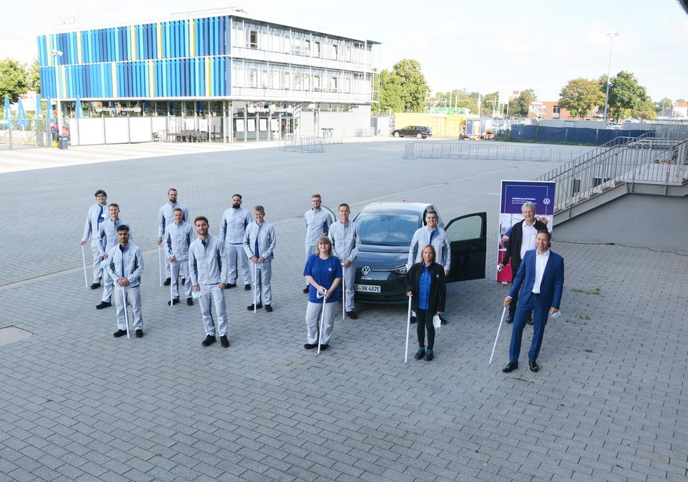 84 neue Kolleginnen und Kollegen beginnen jetzt ihre Ausbildung im Werk Braunschweig, hier die künftigen Elektroniker für Informations- & Systemtechnik. Dieser Beruf wird erstmals in Braunschweig ausgebildet.