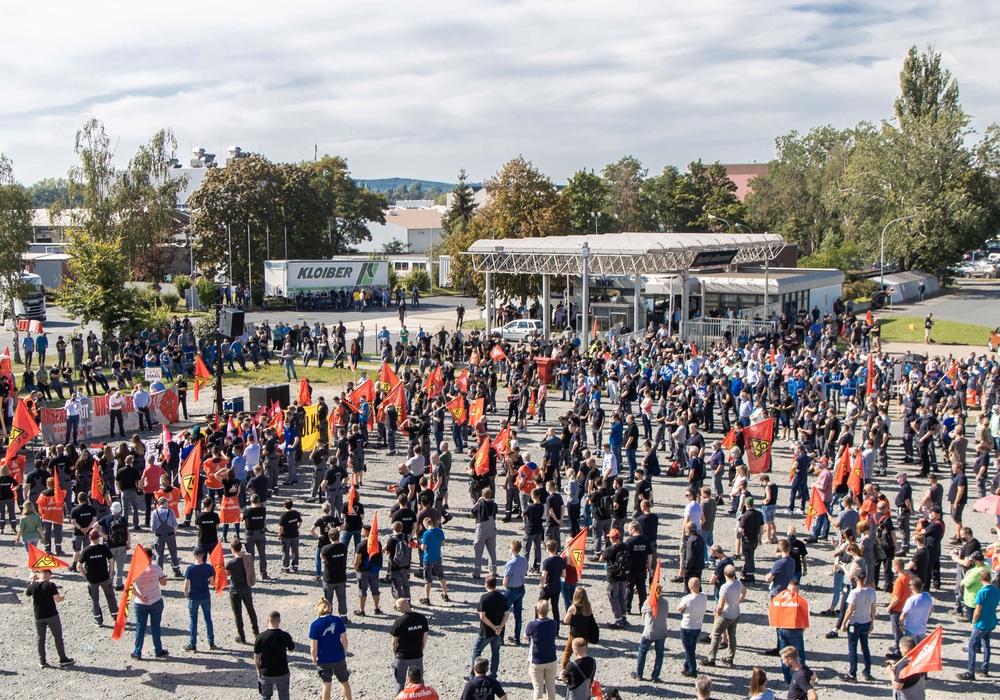 Rund 1.800 MAN-Beschäftigte fanden sich zur Versammlung amWerk Salzgitter ein.