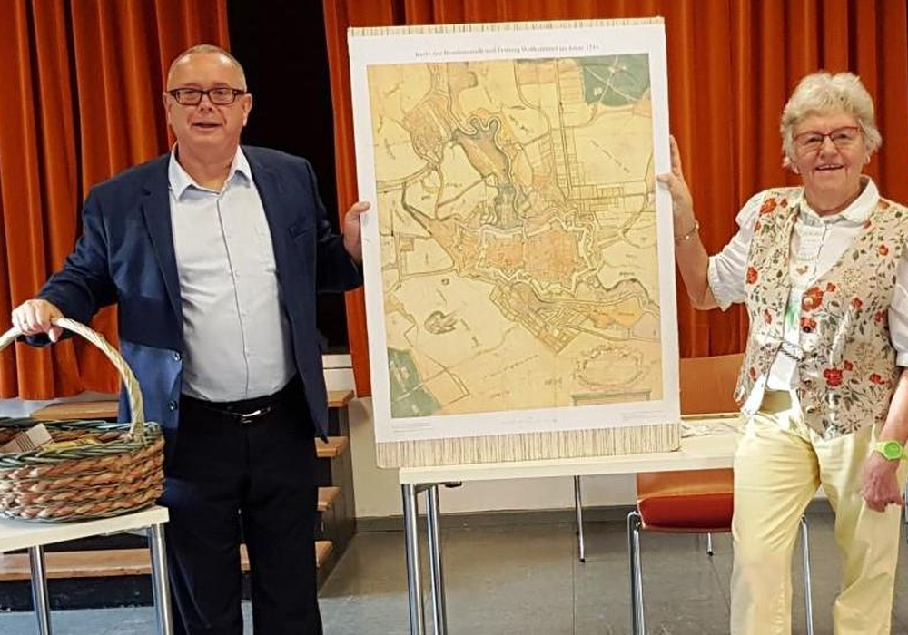 Elisabeth Schwieger und Andreas Meißler vom Gärtnermuseum waren im Gemeindezentrum St. Thomas zu Gast.
