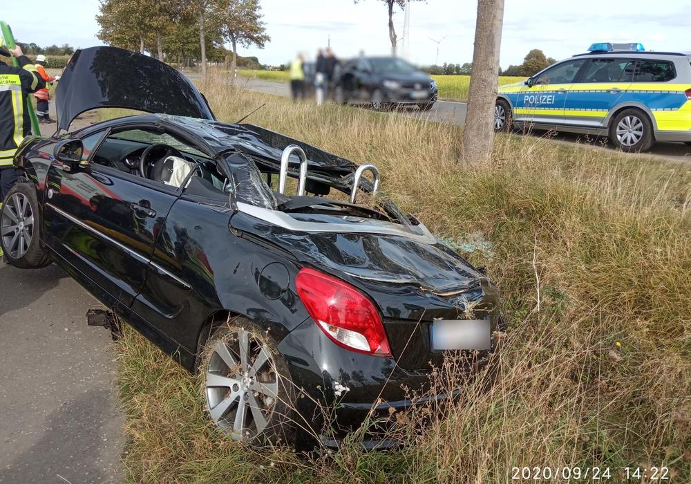 Der Wagen war aus der Kurve geflogen und hatte sich überschlagen.