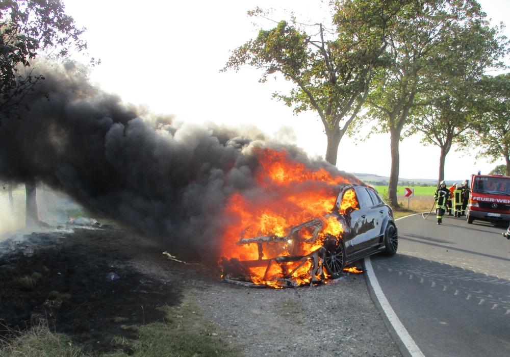 Auf der K47 bei Haverlah kam es am Donnerstag zu einem Fahrzeugbrand.