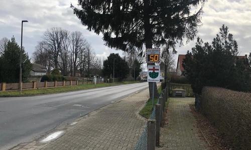 Sieben Tage lang wurde am Kleingartenverein in Wendessen die Geschwindigkeit der Autos erfasst.