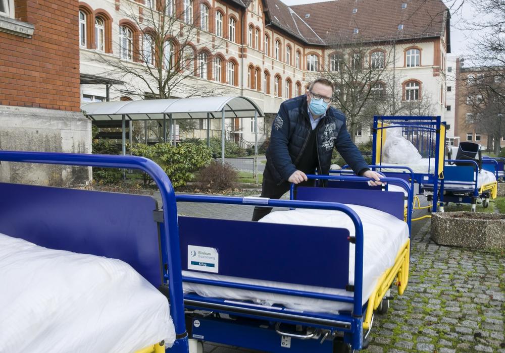 Die Betten aus der Kinderklinik haben nach dem Auszug aus der Holwedestraße ausgedient.