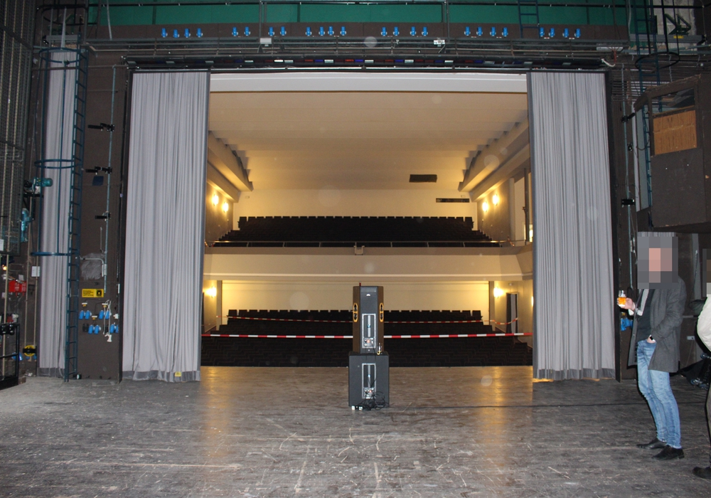 Nach dem Umbau wird die Bühne geschlossen sein, hier werden Räume eingerichtet. Die Decke des Theatersaals wird entfernt und macht einem offenen Innenhof Platz. (Archivbild)