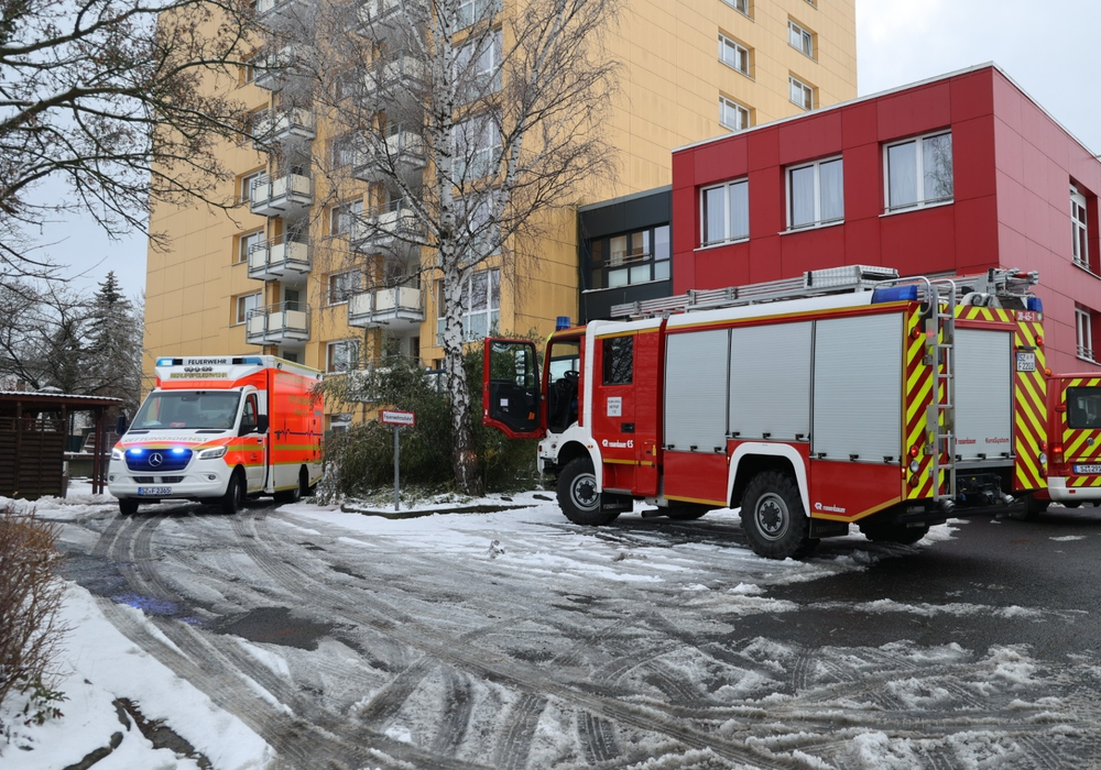 Die Feuerwehr am AWO Wohn- und Pflegeheim in Thiede.