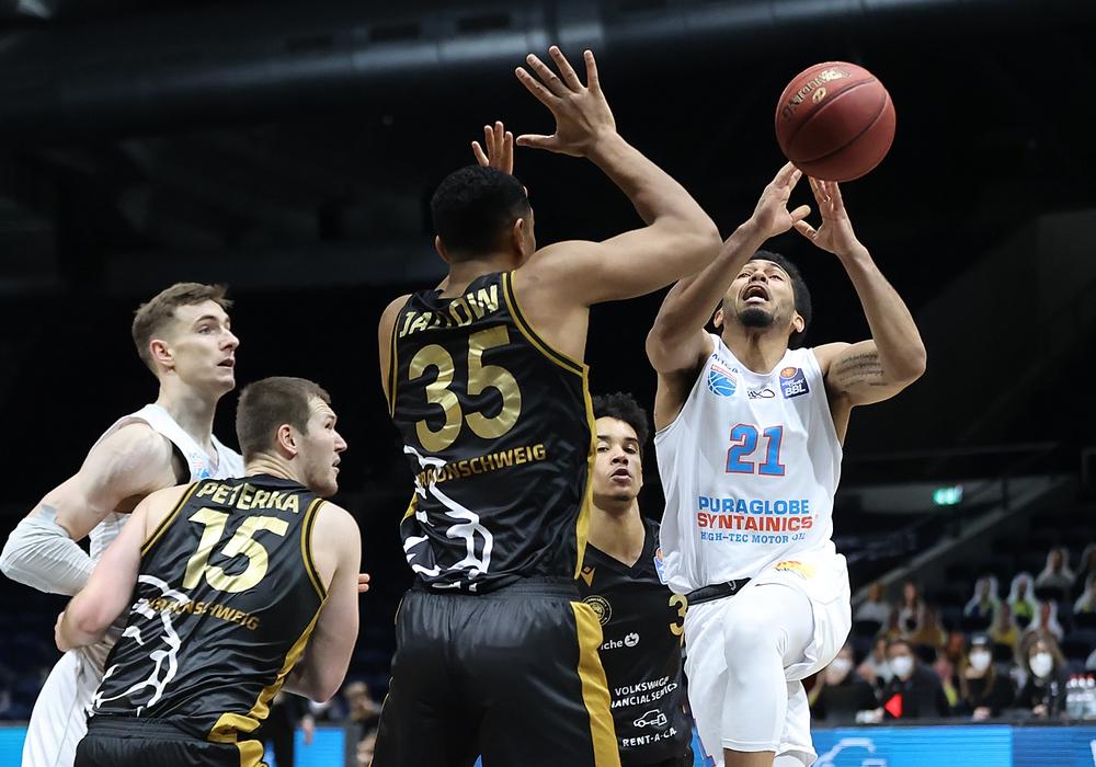 Die Basketball Löwen, hier im Spiel gegen den Mitteldeutschen Basketball Club, mussten gegen Hamburg auf eine Revanche verzichten.