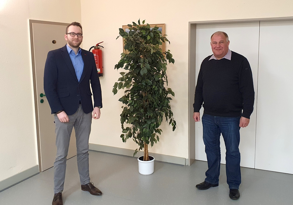 Samtgemeindebürgermeisterkandidat Frederik Brandt (li.) und Norbert Löhr.