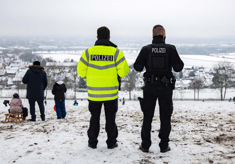 Die Polizei kontrollierte mehrfach, ob auf dem Burgberg die gängigen Corona-Vorschriften eingehalten wurden.