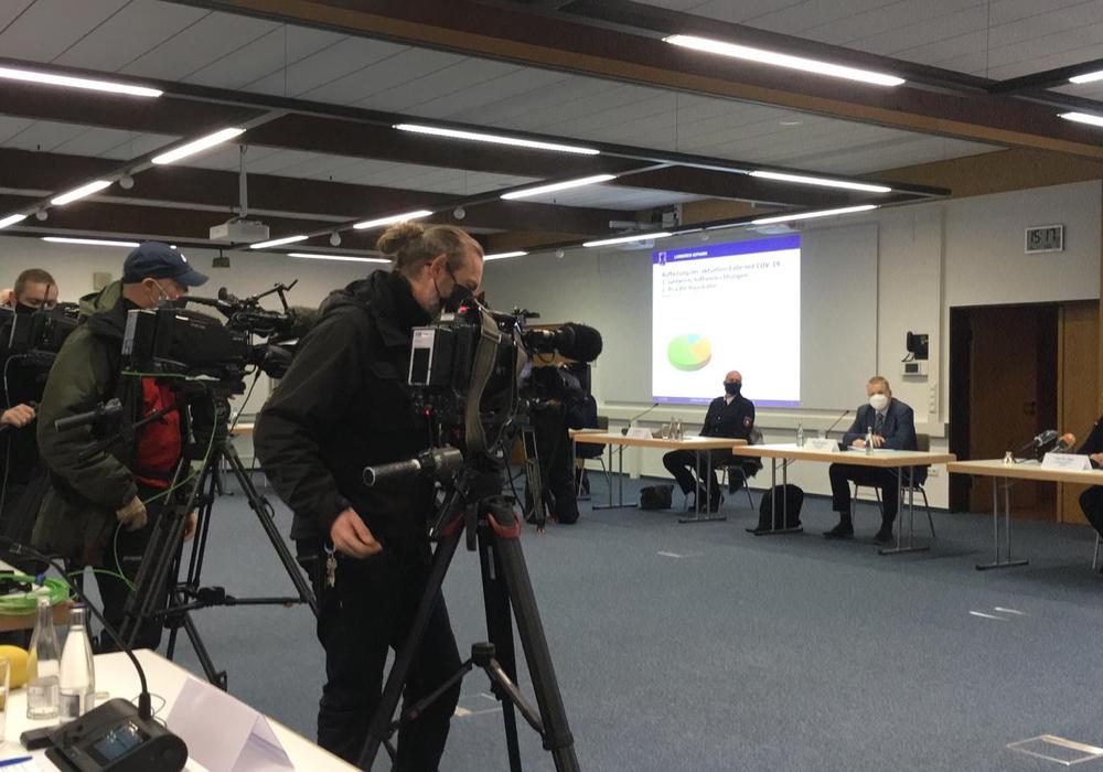 In einer Pressekonferenz wurden am Montag die verschärften Maßnahmen bekanntgegeben.