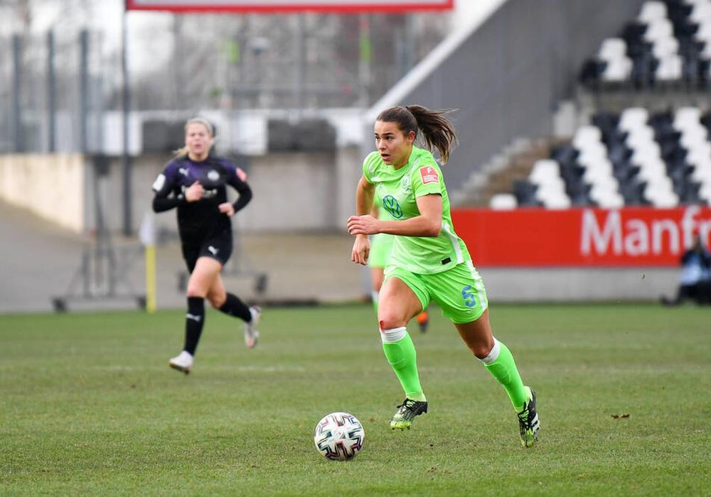 Lena Oberdorf hat ihren Vertrag vorzeitig verlängert.