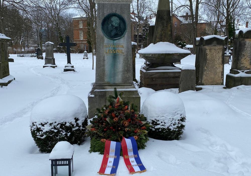 Lessings Grab auf dem Friedhof in Braunschweig.